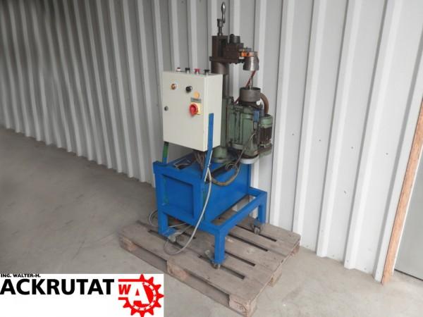 Chiron Fräse Bohrmaschine wassergekühlt Fräsmaschine Standbohrer mit Rollgestell